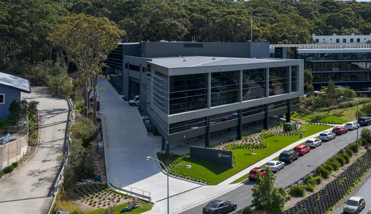 View from the street of the commercial office building at Austlink business park